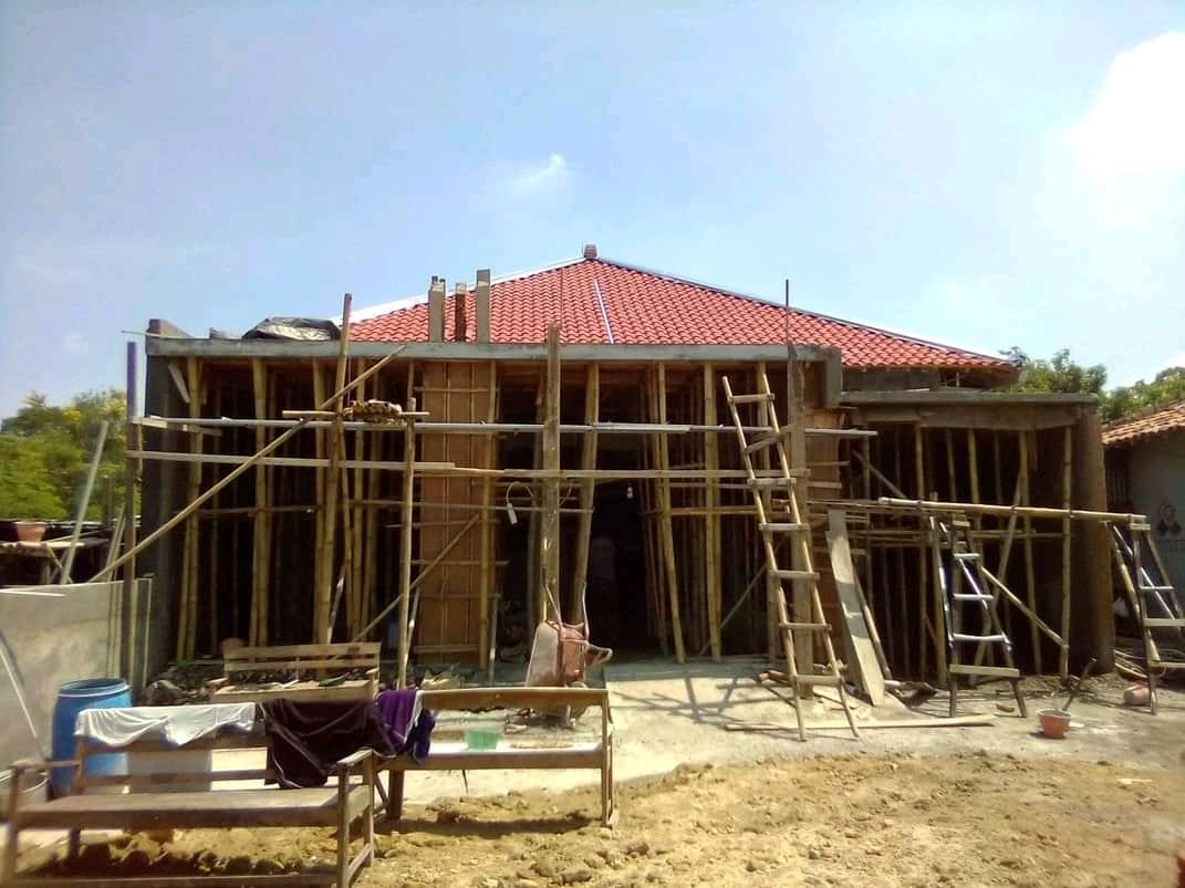 proses Renovasi Rumah Ibu Rini